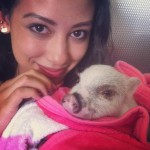 Keanna_and_piglet
